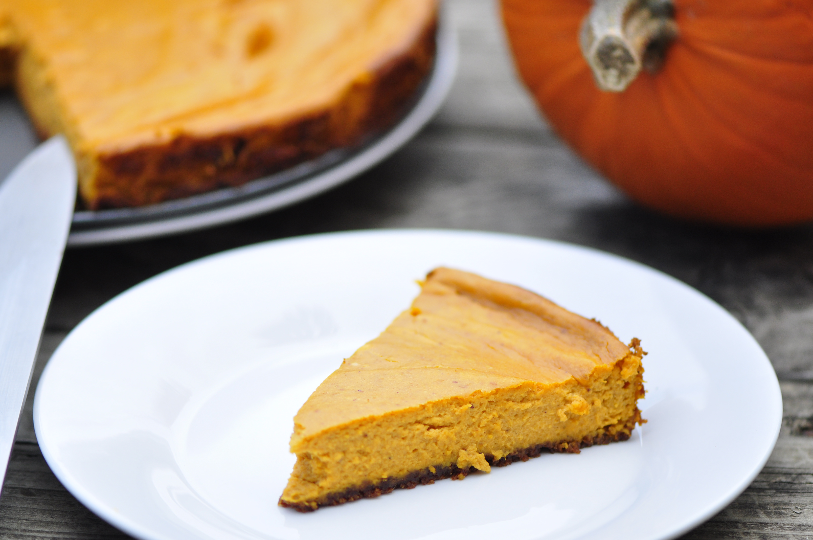 Pumpkin Cheesecake With Ginger Cookie Crumble Crust The
