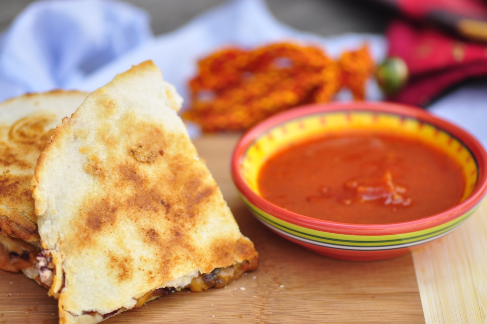 Sundried Tomato and Red Bean Quesadilla with Dip