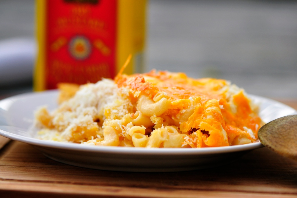 Baked Macaroni and Cheese with Panko