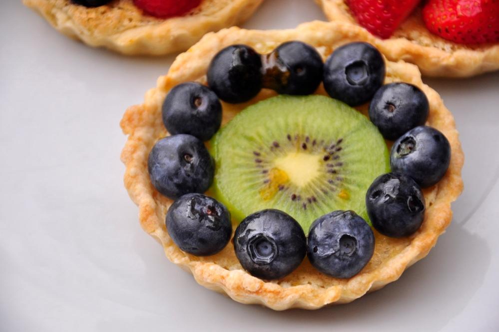 Kiwi and Blueberry Tarts