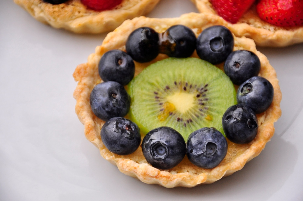 Kiwi and Blueberry Tarts