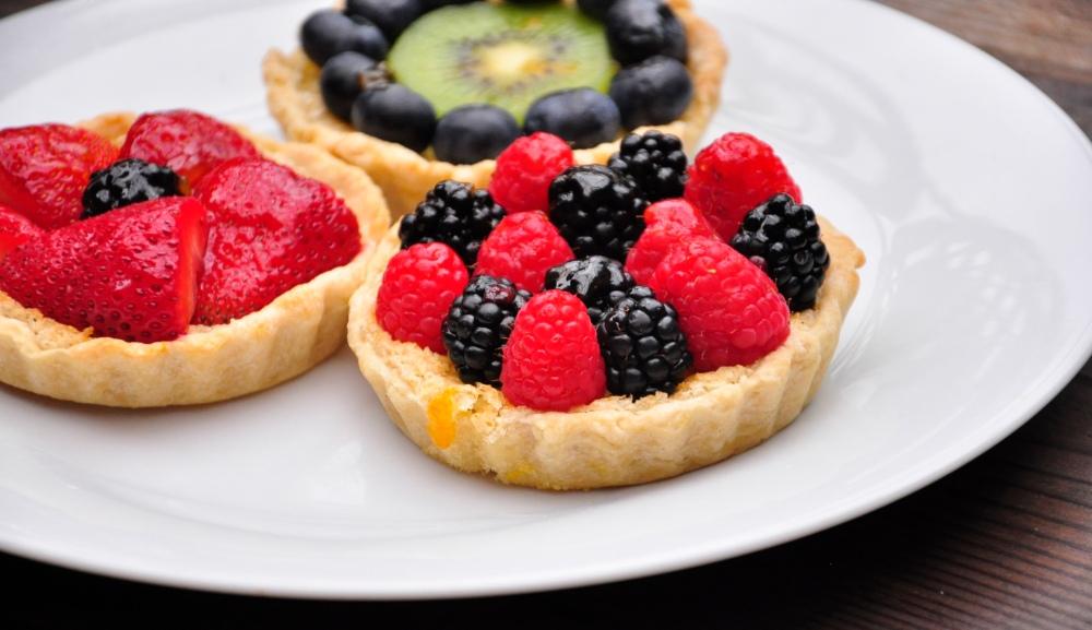 Lemon Tart with Berries and Kiwi