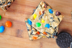 M&M and Oreo Cookie Bars