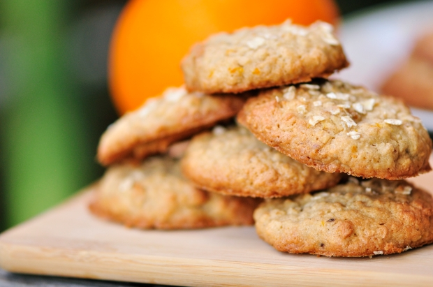 Honey, Walnut and Oat Cookies
